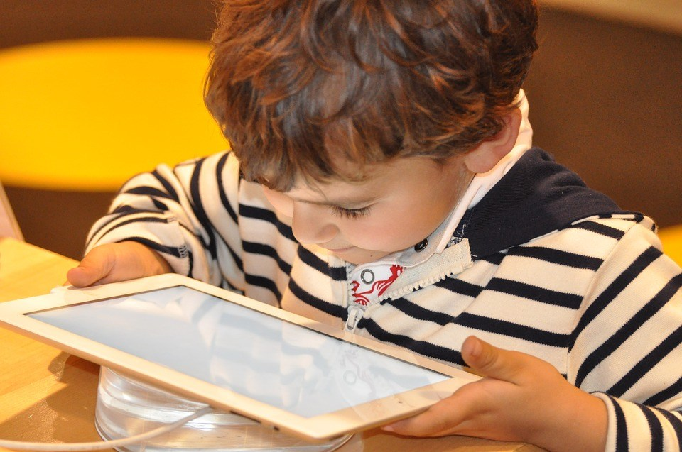 Toddlers Screen Time Linked To Slower >> Down Syndrome Screen Time Speech Raising Robust Readers